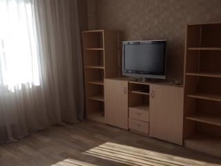 Аренда квартир: 1-комнатная квартира, Калининград, ул. Подполковника Емельянова, 223, фото 1