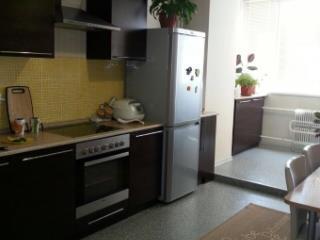 Снять 2 комнатную квартиру по адресу: Барнаул г пр-кт Ленина 45