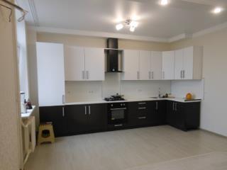 Продажа квартир: 2-комнатная квартира, Ростовская область, Батайск, ул. Комарова, 130, фото 1