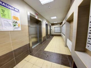 Продажа квартир: 3-комнатная квартира, Санкт-Петербург, ул. Есенина, 1, фото 1