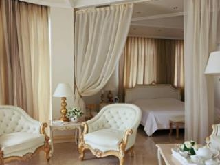 Продажа квартир: 4-комнатная квартира, Краснодарский край, Сочи, Курортный пр-кт, 105б, фото 1