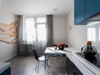 Продажа квартир: 1-комнатная квартира, Краснодарский край, Сочи, ул. Лермонтова, 2, фото 1
