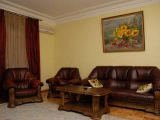 красных борцов 19 екатеринбург скольки комнатные квартиры улучшения