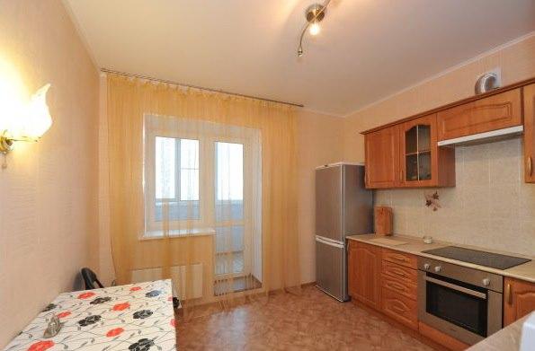 Аренда квартир: 3-комнатная квартира, Волгоград, ул. им Покрышкина, 6, фото 1
