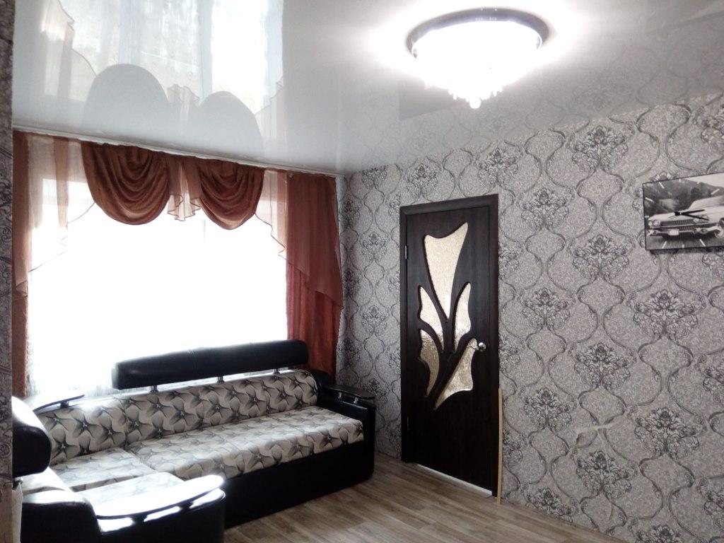 Продается двухкомнатная квартира за 1 100 000 рублей. обл Челябинская, г Копейск, ул Елькина, дом 15.